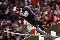 Hopp, ZAKOPANE 28/01/2006<br /> Tommy Ingebrigsten soars in the air during the  15th World Cup Ski Jumping competition in Zakopane  southern Poland Saturday  Jan. 28, 2006. <br /> PHOTO: Piotr Hawalej , Digitalsport