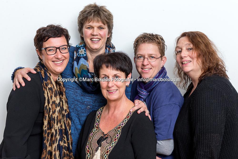 Nederland,  Den Bosch, links Sabdra van der Laar,Brigitte Groeneveld,Arno Heesakkers,Annemiek Steenbekkers,Dorien Baaijens redcteuren van het Brabantsdagblad