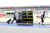 MOTORSPORT - F1 2013 - BRITISH GRAND PRIX - GRAND PRIX D'ANGLETERRE - SILVERSTONE (GBR) - 28 TO 30/06/2013 - PHOTO : FREDERIC LE FLOC'H / DPPI - ILLUSTRATION MECHANICS WITH TYRES RUNNING BACK FROM THE STARTING GRID