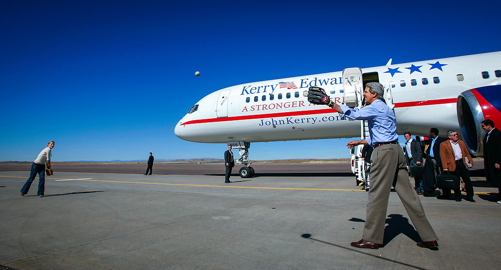 10/23/2004 -- Pueblo, CO, U.S.A Democratic Presidential candidate Sen. John Kerry, D-Mass., throws a baseball with his daughter Vanessa Kerry on the tarmac of Pueblo Memorial Airport in Pueblo Colo., Saturday, Oct. 23, 2004.  Photo by Jack Gruber, USA TODAY staff