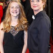 NLD/Utrecht/20151002 - NFF 2015, Gouden Kalveren inloop, Bianca Krijgsman en dochter Lizzy