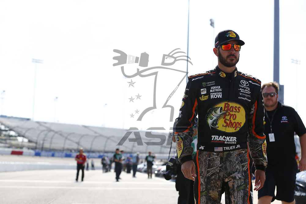 April 28, 2017 - Richmond, Virginia, USA: The Monster Energy NASCAR Cup Series teams take to the track to qualify for the Toyota Owners 400 at Richmond International Speedway in Richmond, Virginia.