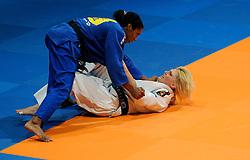 14-11-2009 JUDO: NK JUDO DAMES: ROTTERDAM <br /> Anicka van Emden (bl) en Megan van Houtum (-63 kg)<br /> ©2009-WWW.FOTOHOOGENDOORN.NL