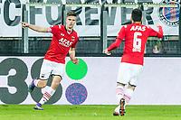 ALKMAAR - AZ - FC Groningen , Voetbal , Seizoen 2015/2016 , Eredivisie , AFAS Stadion , 20-02-2016, AZ speler Markus Henriksen (l) viert zijn doelpunt voor de 4-1 met AZ speler Celso Ortiz (r)
