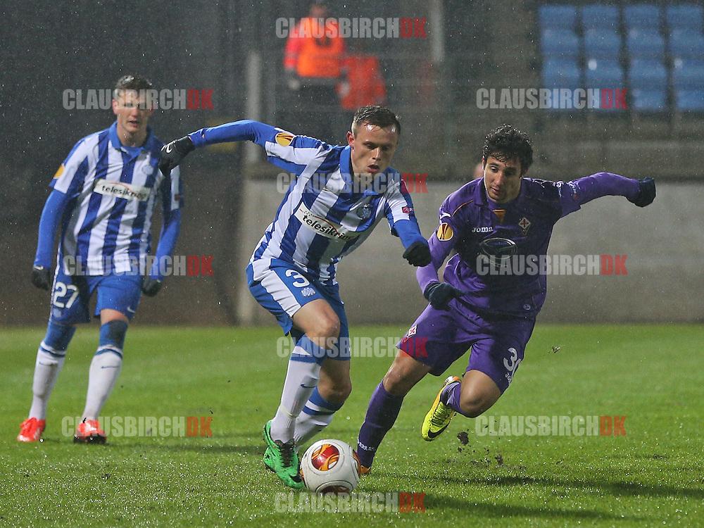 Peter Ankersen (Esbjerg) følges af RyderMatos (Fiorentina).
