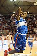 DESCRIZIONE : Pistoia Lega A2 2011-12 Giorgio Tesi Group Pistoia Enel Brindisi<br /> GIOCATORE : Renfroe  Gregory Alexander<br /> SQUADRA : Enel Brindisi<br /> EVENTO : Campionato Lega A2 2011-2012<br /> GARA : Giorgio Tesi Group Pistoia Enel Brindisi<br /> DATA : 29/01/2012<br /> CATEGORIA : Schiacciata<br /> SPORT : Pallacanestro<br /> AUTORE : Agenzia Ciamillo-Castoria/Stefano D'Errico<br /> Galleria : Lega Basket A2 2011-2012 <br /> Fotonotizia : Pistoia Lega A2 2011-2012 Giorgio Tesi Group Pistoia Enel Brindisi<br /> Predefinita :