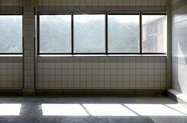 Nederland, Nijmegen, 11-9-2013Het ontruimde fabriekscomplex van de Honig fabriek.hier werden o.a. deegwaren, gedroogde soepen, maggi en brinta geproduceerd. De gemeente wilde het fabrieksterrein gebruiken voor woningbouw, nieuwbouw woningen. Door de crisis op de woningmarkt is dit plan uitgesteld en vinden er af en toe culturele activiteiten plaats. Het moederconcern Heinz heeft de productie verplaatst naar andere vestigingen binnen Nederland. Het betekende een verlies van 240 arbeidsplaatsen voor de stad. Wel kwam er een nieuw onderzoekscentrum van de multinational.Foto: Flip Franssen/Hollandse Hoogte