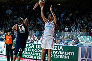 DESCRIZIONE : Varese Lega A 2013-14 Cimberio Varese Acea Virtus Roma<br /> GIOCATORE : Dusan Sakota<br /> CATEGORIA : Tiro Three Points<br /> SQUADRA : Cimberio Varese<br /> EVENTO : Campionato Lega A 2013-2014<br /> GARA : Cimberio Varese Acea Virtus Roma<br /> DATA : 12/01/2014<br /> SPORT : Pallacanestro <br /> AUTORE : Agenzia Ciamillo-Castoria/G.Cottini<br /> Galleria : Lega Basket A 2013-2014  <br /> Fotonotizia : Varese Lega A 2013-14 Cimberio Varese Acea Virtus Roma<br /> Predefinita :