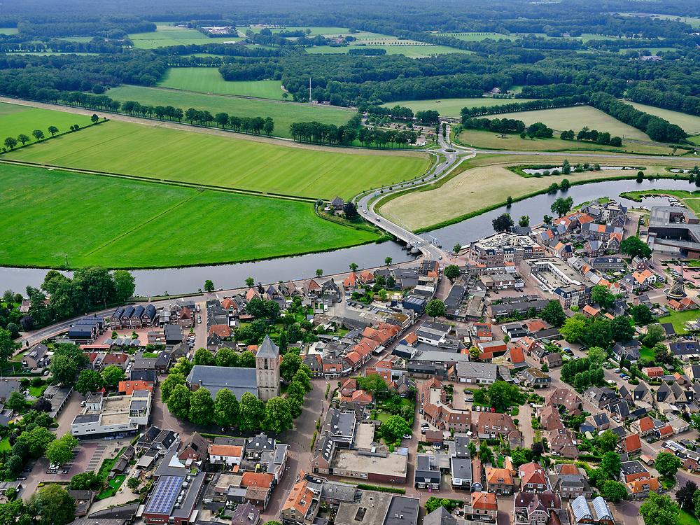Nederland, Overijssel, Gemeente Dalfsen, 21–06-2020; Dalfsen, dorp in Salland, gelegen aan de Overijsselse Vecht (Overijsselsche Vecht).<br /> Dalfsen, village in Salland, located on the Overijsselse Vecht (Overijsselsche Vecht).<br /> luchtfoto (toeslag op standaard tarieven);<br /> aerial photo (additional fee required)<br /> copyright © 2020 foto/photo Siebe Swart