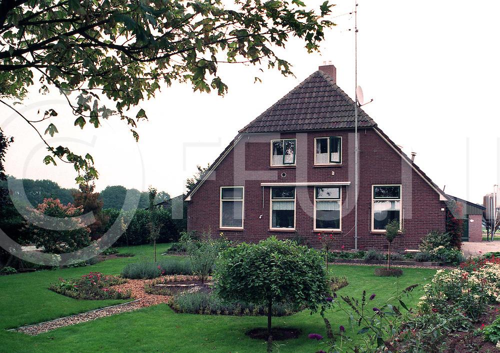 dalfsen : boerderij landman..foto frank uijlenbroek©1996/nico van maanen