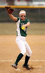2013 Illinois Wesleyan Titans Softball Photos