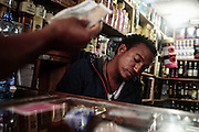 Commerciante, Addis Abeba 12 settembre 2014.  Christian Mantuano / OneShot