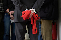 03 MAR 2005, EBERSWALDE/GERMANY:<br /> Franz Muentefering, SPD Parteivorsitzender, haelt seinen roten Schal hinter dem Ruecken, Oberstufenzentrum II<br /> IMAGE: 20050303-01-038<br /> KEYWORDS: Franz Müntefering