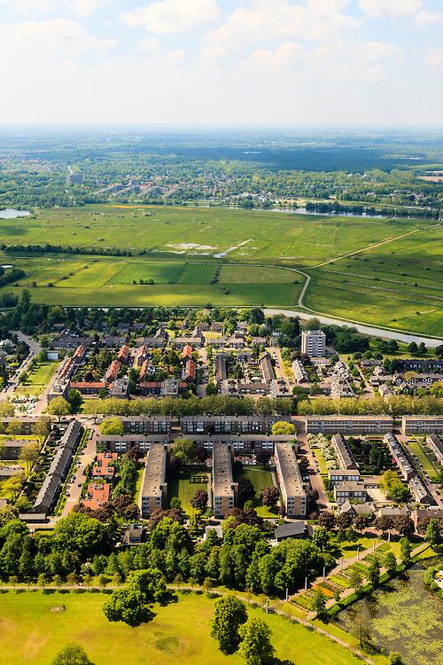 Nederland, Noord-Brabant, Den Bosch, 27-05-2013; Plan Zuid / De Pettelaar. Foto richting het Bossche Broek. Stadsuitbreiding en nieuwbouwwijk uit de jaren vijftig en zestig van de vorige eeuw, wederopbouwperiode. Groen en ruim opgezet.<br /> New residential area built in the fifties and sixties in Den Bosch. Spacious and plentyful green areas.<br /> Reconstruction area.<br /> luchtfoto (toeslag op standard tarieven)<br /> aerial photo (additional fee required)<br /> copyright foto/photo Siebe Swart