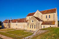 France, Cher (18), Berry, Abbaye de Noirlac 12e -14e sicèle, ordre de Citeaux, route Jacques Coeur // France, Cher (18), Berry, Noirlac Abbey, 12th to 14th century, Cistercian, the Jacques Coeur road