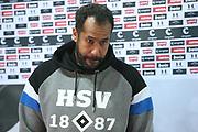 Fussball: 2. Bundesliga, FC St. Pauli - Hamburger SV, Hamburg, 01.03.2021<br /> Trainer Daniel Thioune (HSV)<br /> © Torsten Helmke