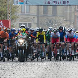 31-03-2019: Wielrennen: Kattekoers: Ieper<br /> Start Junioren