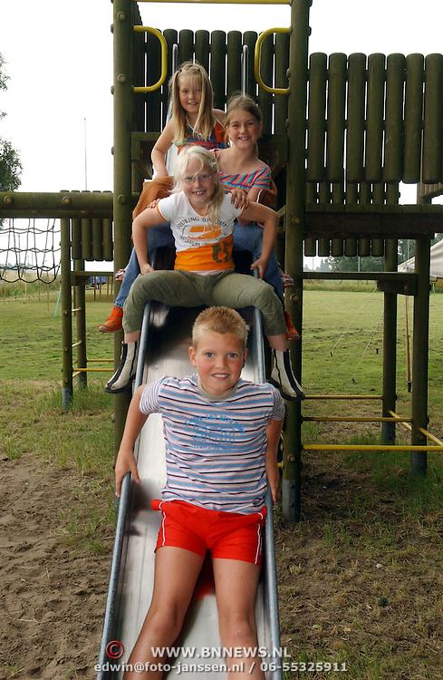 NLD/Weesp/20050702 -Speeltuin Don Bosco, s'Gravelandseweg Weesp, kinder speeldag