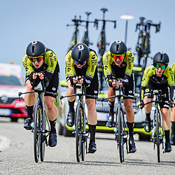 BROWN Grace ( AUS ) – KENNEDY Lucy ( AUS ) - SPRATT Amanda ( AUS ) - ROY Sarah ( AUS ) - VAN VLEUTEN Annemiek ( NED ) - TENNIGLO Moniek ( NED ) - MITCHELTON SCOTT ( MTS ) - AUS – Querformat - quer - horizontal - Landscape - Event/Veranstaltung: Giro Rosa Iccrea - 1. Stage - Category/Kategorie: Cycling - Road Cycling - Cycling Tour - Elite Women - Location/Ort: Europe – Italy - Start: Grosseto - Finish: Grosseto - Discipline: Cycling - Road Cycling - Cycling Tour - Team Time Trail ( TTT ) - Distance: 16,8 km - Date/Datum: 11.09.2020 – Friday - Photographer: © Arne Mill - frontalvision.com