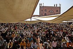 June 23, 2017 - Delhi, New Delhi, India - Indian Muslims gather to pray on the last Friday during holy month of Ramadan at Jama Masjid in Delhi. (Credit Image: © Shrikant Singh/Pacific Press via ZUMA Wire)