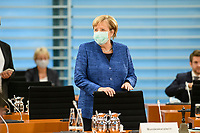 07 OCT 2020, BERLIN/GERMANY:<br /> Angela Merkel, CDU, Bundeskanzlerin, mit Mund-Nase-Maske, vor Beginn der Kabinettsitzung, Internationaler Konferenzsaal, Bundeskanzleramt<br /> IMAGE: 20201007-01-036<br /> KEYWORDS: Sitzung, Kabinett, Corona, Maske, Covid-19, Pandemie,