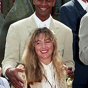 NLD/Haarzuilens/19940517 - Huwelijk Rob Witschge en Barbara van den Boogaard in kasteel Haarzuilen, Aron Winter en partner Yvonne Roose