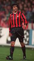 Fotball<br /> Italia<br /> Feature AC Milan<br /> Foto: Colorsport/Digitalsport<br /> NORWAY ONLY<br /> <br /> Ruud Gullit (Milan). Philips SV v AC Milan, 09/12/1992