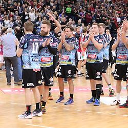 Hamburg, 26.12.16, Sport, Handball, Weltrekordspiel, 3. Liga Nord, Saison 2016/2017, Handball Sport Verein Hamburg - DHK Flensborg : Team DHK Dank an die Fans<br /> <br /> Foto © PIX-Sportfotos *** Foto ist honorarpflichtig! *** Auf Anfrage in hoeherer Qualitaet/Aufloesung. Belegexemplar erbeten. Veroeffentlichung ausschliesslich fuer journalistisch-publizistische Zwecke. For editorial use only.