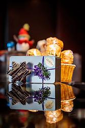 THEMENBILD - verschiedene Weihnachtskekse in einer Geschenkdose in einer Bäckerei, aufgenommen am 21. November 2016, Kaprun, Österreich // Various Christmas cookies in a gift box in a bakery, Kaprun, Austria on 2016/11/21. EXPA Pictures © 2016, PhotoCredit: EXPA/ JFK