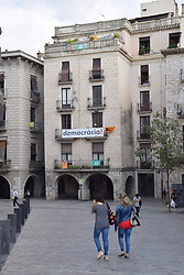 Catalonia, Spain Sep 2017. Girona. On 1 October Catalans will go to the polls to vote in a referendum on whether to secede from Spain and form an independent republic however Madrid says the referendum is unconstitutional. Catalonian flags & 'si' signs proliferate throughout the region.