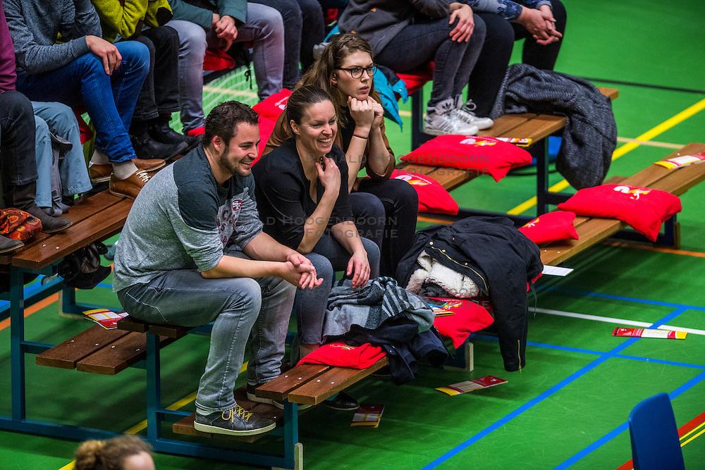 14-01-2017 NED: vv Utrecht - US Amsterdam, Utrecht<br /> vv Utrecht verslaat US met 3-1 / support publiek Bram Ronnes, Janneke van Tienen