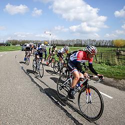 16-04-2016: Wielrennen: IJsseldelta Topcompetitie vrouwen: Zwolle<br />ZWOLLE (NED) wielrennen Wind was in deze editie de grootste tegenstanders van de vrouwen.<br />Nationaal Kampioen Lucinda Brand vooert het tempo in de kopgroep nog maar eens op