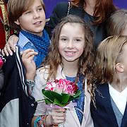 NLD/Amsterdam/20121007 - Premiere Sint & Diego en de Magische Bron van Myra, Jada Borsato en vriendje Tijn