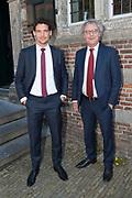 Matthaus-Passion in de grote kerk van Naarden.<br /> <br /> op de foto: president-directeur van NS Roger van Boxtel met zijn zoon Robin van Boxtel