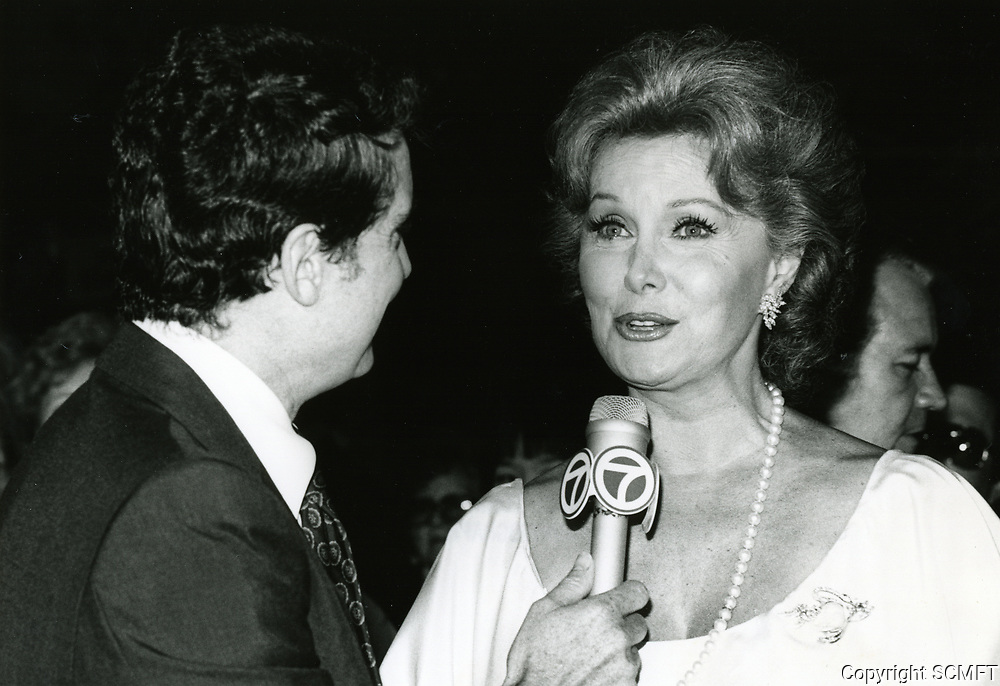 1979 Regis Philbin interviews Rhonda Fleming at the premiere of Hurricane at Mann's Chinese Theater