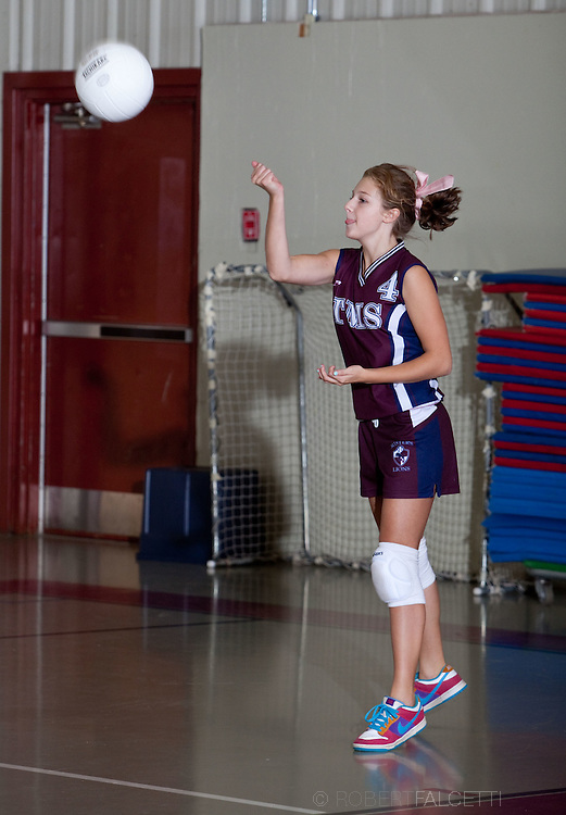 The Master's School, West Simsbury, CT. 2010-2011. Junior Varsity Vollyball.  (Photo by Robert Falcetti). .