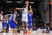 DESCRIZIONE : Beko Legabasket Serie A 2015- 2016 Dinamo Banco di Sardegna Sassari - Enel Brindisi<br /> GIOCATORE : Scottie Reynolds<br /> CATEGORIA : Tiro Tre Punti Three Point<br /> SQUADRA : Enel Brindisi<br /> EVENTO : Beko Legabasket Serie A 2015-2016<br /> GARA : Dinamo Banco di Sardegna Sassari - Enel Brindisi<br /> DATA : 18/10/2015<br /> SPORT : Pallacanestro <br /> AUTORE : Agenzia Ciamillo-Castoria/C.Atzori