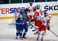 BILDET KAN KUN BRUKES I REDAKSJONELL SAMMENHENG<br /> <br /> BILDET INNGÅR IKEK I FASTAVTALER. ALL NEDLASTING BLIR FAKTURERT.<br /> <br /> Ishockey<br /> 06.10.2015<br /> Foto: Gepa/Digitalsport<br /> NORWAY ONLY<br /> <br /> HAMAR,NORWAY,06.OCT.15 - ICE HOCKEY - CHL, Champions Hockey League, play off, Storhamar Hockey vs EC Red Bull Salzburg. Image shows the rejoicing of Mikael Zettergren and Jimmy Andersson (Storhamar).
