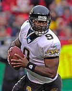 Jacksonville Jaguars quarterback David Garrard rolls out in the first half against Kansas City at Arrowhead Stadium in Kansas City, Missouri, December 31, 2006.  The Chiefs beat the Jaguars 35-30.<br />