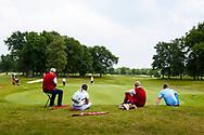 28-05-2016 Foto's van de kruisfinales in de hoofdklasse van de NGF Competitie 2016.<br /> Foto: Niet heel veel publiek. Genomen tijdens Finaleweekend NGF Hoofdklasse 2016 bij Goyer Golf & Country Club in Eemnes, Nederland.