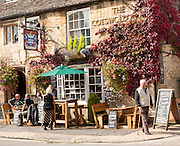 The Cotswolds Arms pub in Burford, Oxfordshire, England, UK
