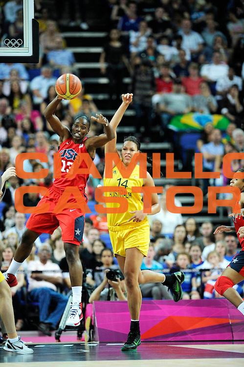 DESCRIZIONE : Basketball Jeux Olympiques Londres Demi finale<br /> GIOCATORE : Fowle Sylvia USA <br /> SQUADRA : USA FEMME<br /> EVENTO : Jeux Olympiques<br /> GARA : USA AUSTRALIE<br /> DATA : 09 08 2012<br /> CATEGORIA : Basketball Jeux Olympiques<br /> SPORT : Basketball<br /> AUTORE : JF Molliere <br /> Galleria : France JEUX OLYMPIQUES 2012 Action<br /> Fotonotizia : Jeux Olympiques Londres demi Finale Greenwich Arena<br /> Predefinita :