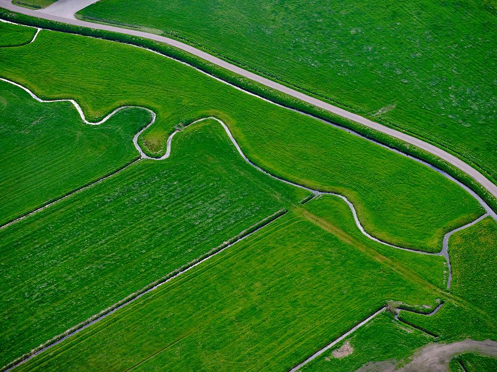 Nederland, Gelderland, Elburg, 07-05-2021; Nunspeet, Andhuizerbeek. Meanderende beek.<br /> <br /> luchtfoto (toeslag op standard tarieven);<br /> aerial photo (additional fee required)<br /> copyright © 2021 foto/photo Siebe Swart