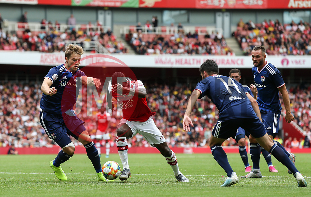 Edward Nketiah of Arsenal drives into the box - Mandatory by-line: Arron Gent/JMP - 28/07/2019 - FOOTBALL - Emirates Stadium - London, England - Arsenal v Olympique Lyonnais - Emirates Cup