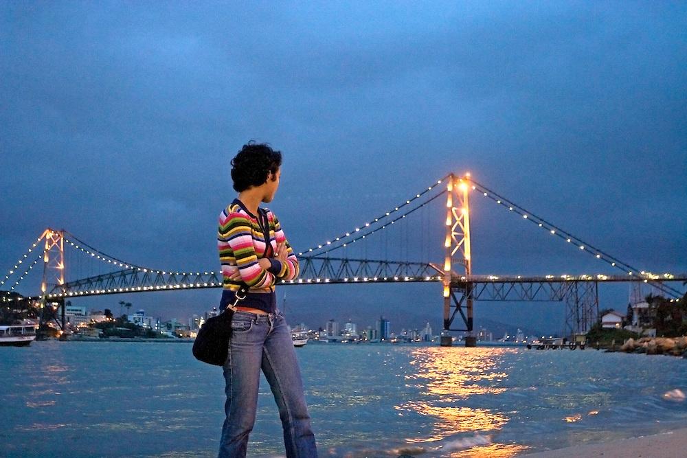 Florianopolis_SC, Brasil...Ponte Hercilio Luz uma das maiores pontes penseis do mundo, a maior do Brasil...The Hercilio Luz bridge. It is the longest suspension bridge in Brazil...Foto: BRUNO MAGALHAES / NITRO