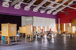 THEMENBILD - Situation in der Teststation in Matrei in Osttirol am Samstag, 5. Dezember 2020. In Tirol und Tirol startetenn am Freitag, 4. Dezember 2020, die flächendeckenden, österreichweiten Corona-Massentestungen // Situation at the test station in Matrei in East Tyrol on Saturday, December 5, 2020. In Tyrol and Tyrol, the nationwide, Austria-wide corona mass tests started on Friday, December 4, 2020, Austria. EXPA Pictures © 2020, PhotoCredit: EXPA/ Johann Groder