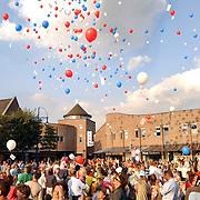 3 Scholen Oude Raadhuisplein Huizen fusie viering balonnen oplaten