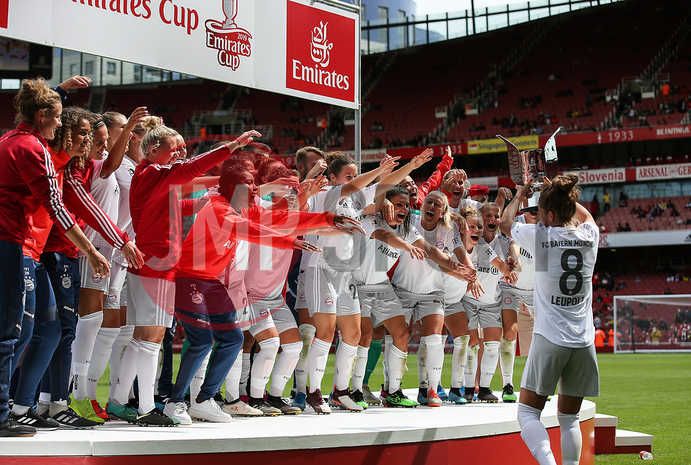 Bayern Munich players celebrate - Mandatory by-line: Arron Gent/JMP - 28/07/2019 - FOOTBALL - Emirates Stadium - London, England - Arsenal Women v Bayern Munich Women - Emirates Cup