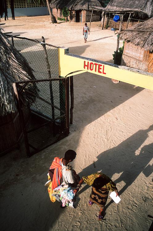 01/06 FEB 2004 - Panama - Arcipelago di San Blas, indigeni Kuna - xD3Hxx