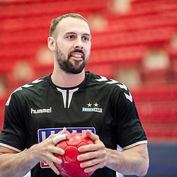 Tim Kneule (FRISCH AUF! Goeppingen #4) ; LIQUI MOLY HBL 20/21  1. Handball-Bundesliga: TVB Stuttgart - FRISCH AUF! Goeppingen am 24.04.2021 in Stuttgart (SCHARRena), Baden-Wuerttemberg, Deutschland<br /> <br /> Foto © PIX-Sportfotos *** Foto ist honorarpflichtig! *** Auf Anfrage in hoeherer Qualitaet/Aufloesung. Belegexemplar erbeten. Veroeffentlichung ausschliesslich fuer journalistisch-publizistische Zwecke. For editorial use only.